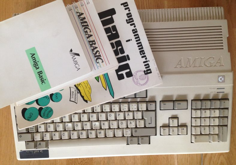 Books on programming in Amiga Basic